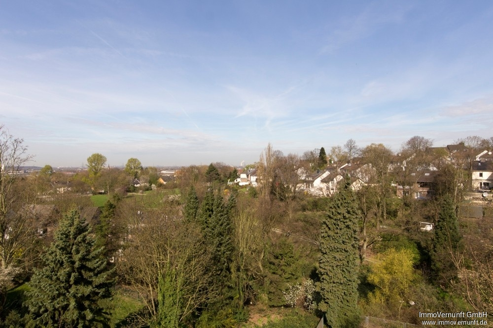Maisonetten Wohnung auf 89 m² mit Superausblick in Mülheim 45473 Mülheim an der Ruhr, Dachgeschosswohnung